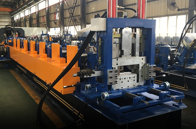 How to choose Sheet panel roll forming machine for instance